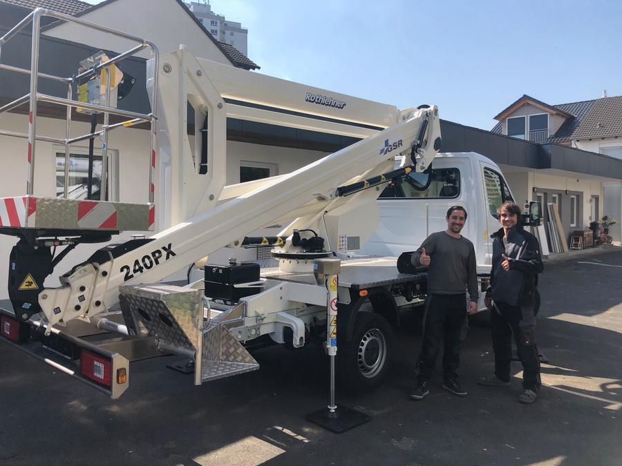 Rothlehner Arbeitsbühnen - GSR B240PX für GebäudereinigerLeimeister
