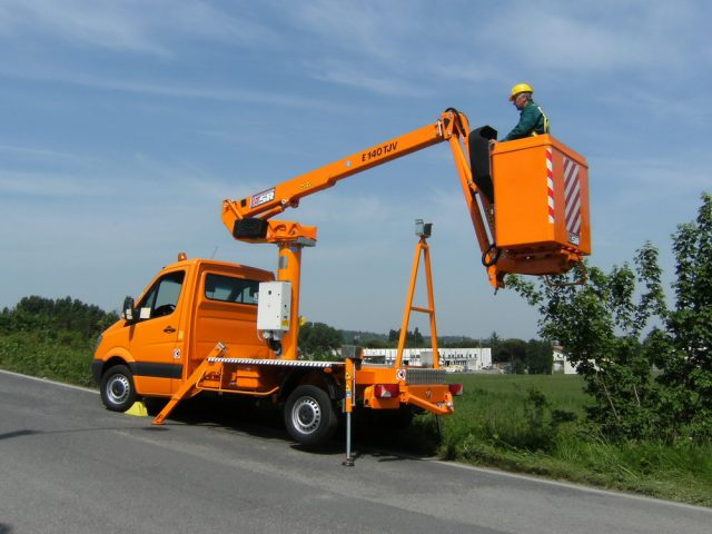 LKW-Arbeitsbühne GSR E140TJV