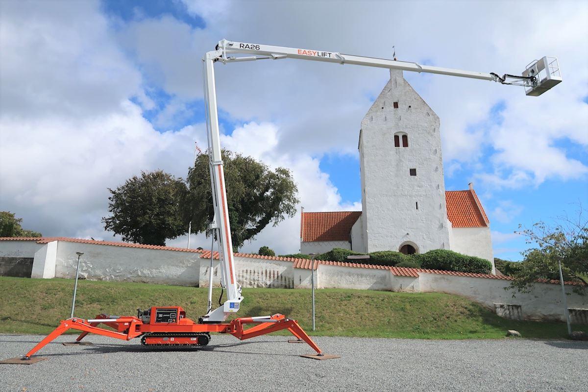 Rothlehner Arbeitsbühnen - Rothlehner is now dealer for EASYLIFT crawler platforms