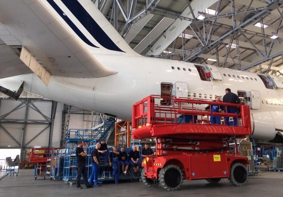 PB Scherenbühne Elbe Flugzeugwerk