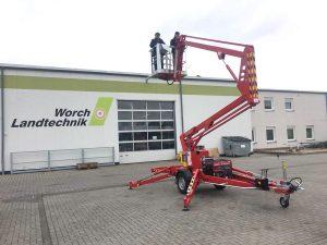 Rothlehner Arbeitsbühnen - 13 Meter Anhängerbühne für Silo-Reinigung