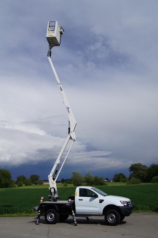 Rothlehner Arbeitsbühnen - Gebäudereiniger erhält GSR E140P Neugerät