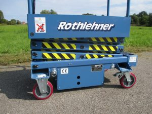 Rothlehner Arbeitsbühnen - New in programm:  Instant Lift ES30TAI _ Push-Around Micro-Scissor