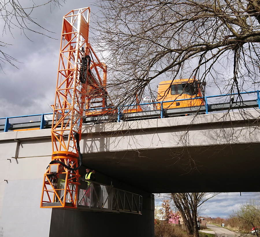Weiteres MOOG Brückenuntersichtgerät ausgeliefert