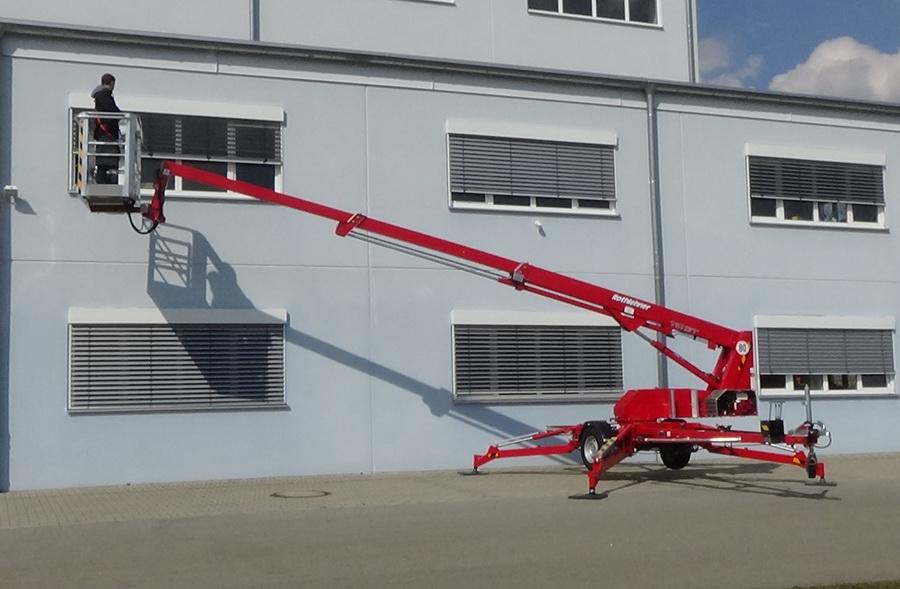 Rothlehner Arbeitsbühnen - Europelift TM13T an Elektro-Firma geliefert