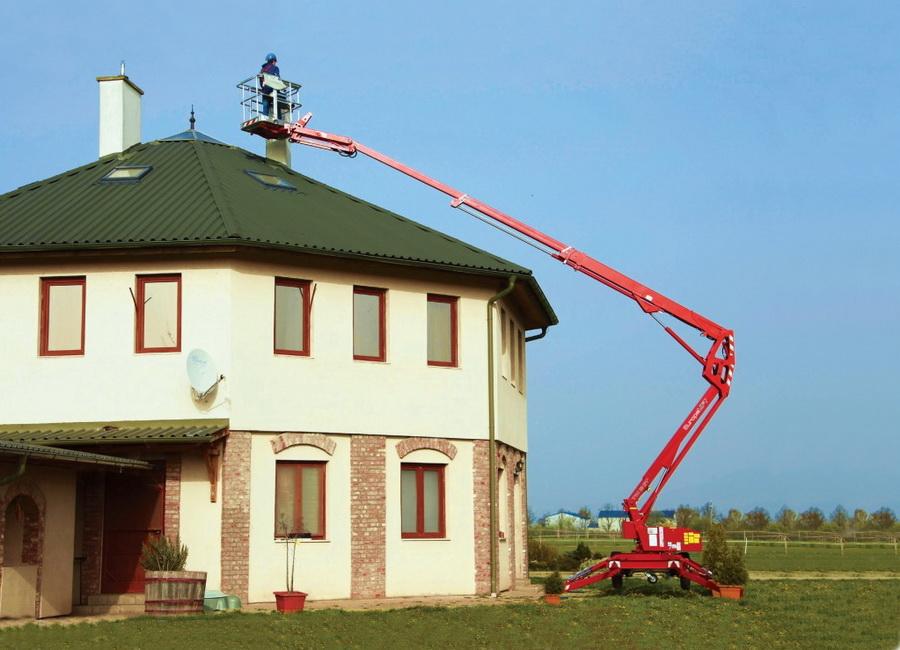 Rothlehner Arbeitsbühnen - Solaritec GmbH erhält Europelift TM18GT