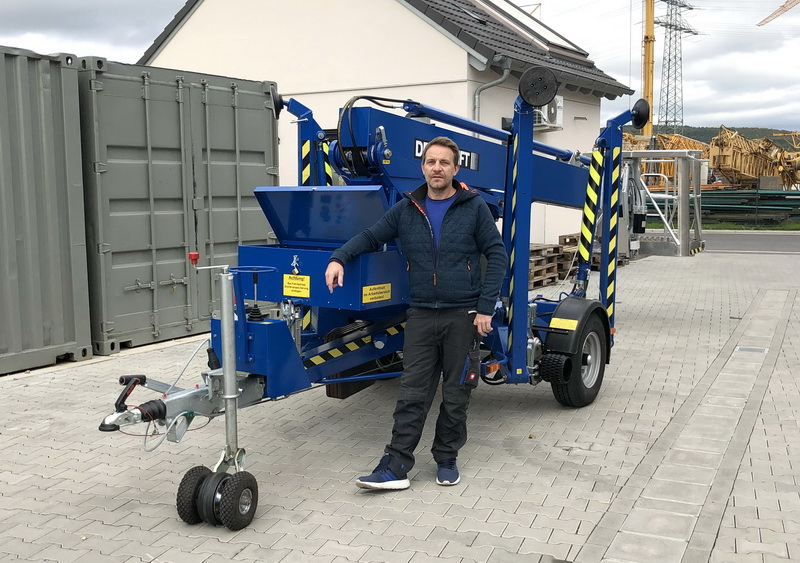 blue DENKA-LIFT DK18 for electrical company