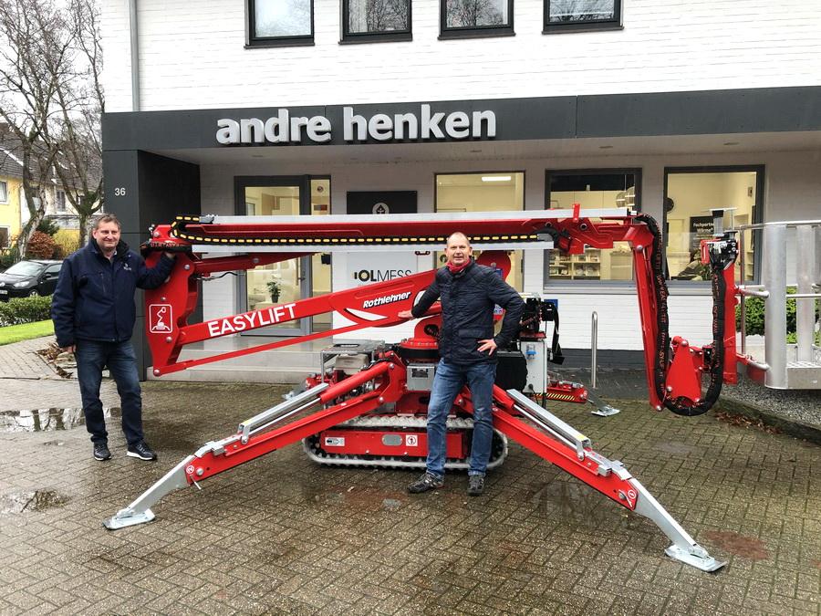 Easylift R180 track-mounted platform goes to Oldenburg